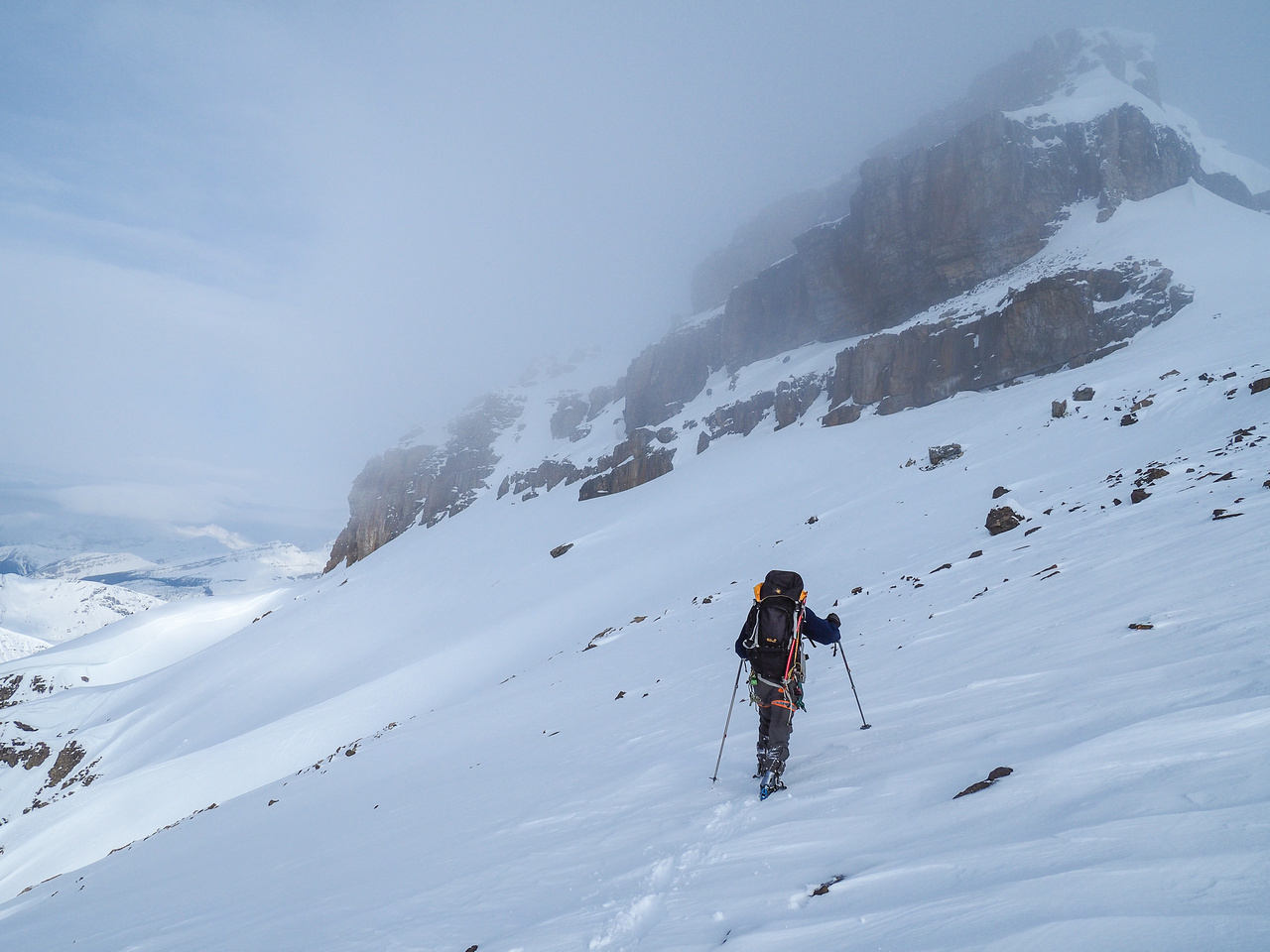 We begin our traverse to the snow gully on fairly benign slopes.