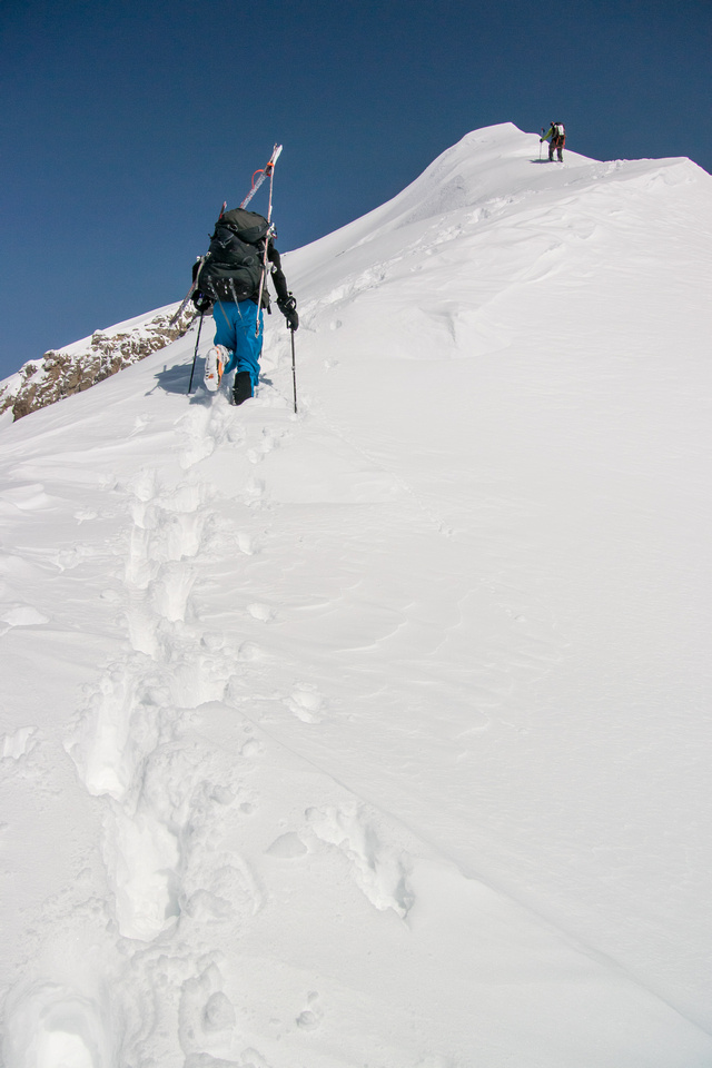 Starting up the south ridge of Cromwell.