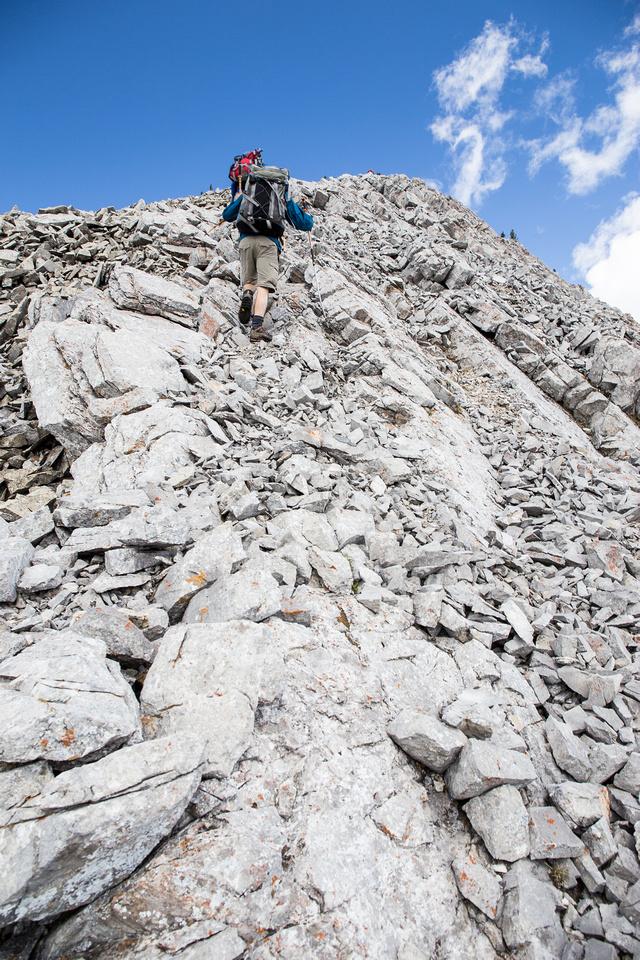Ascending the south ridge of Erickson.