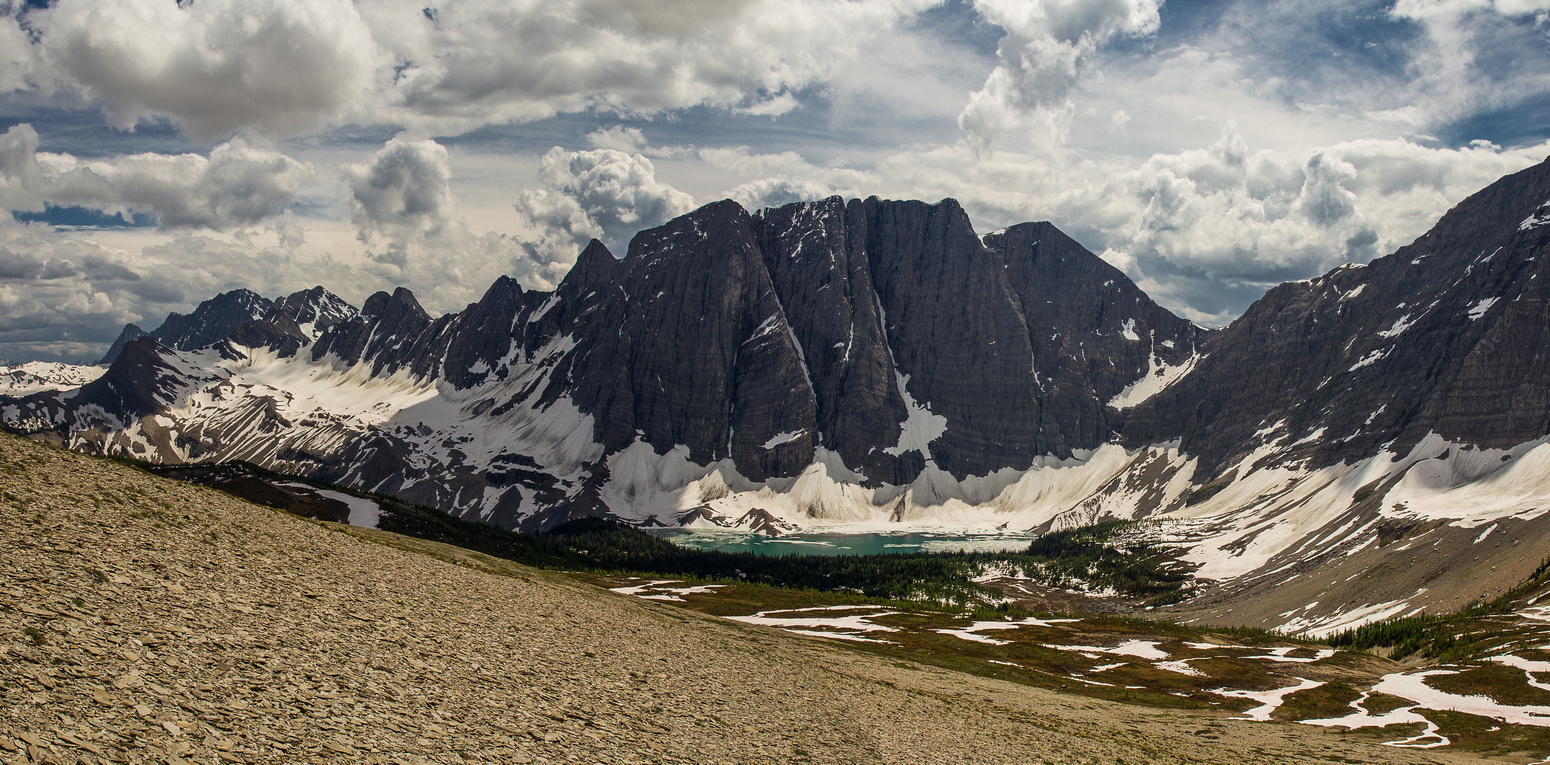 The remarkable views of Floe Lake with the imposing Floe Peak towering above made the diversion worth it.