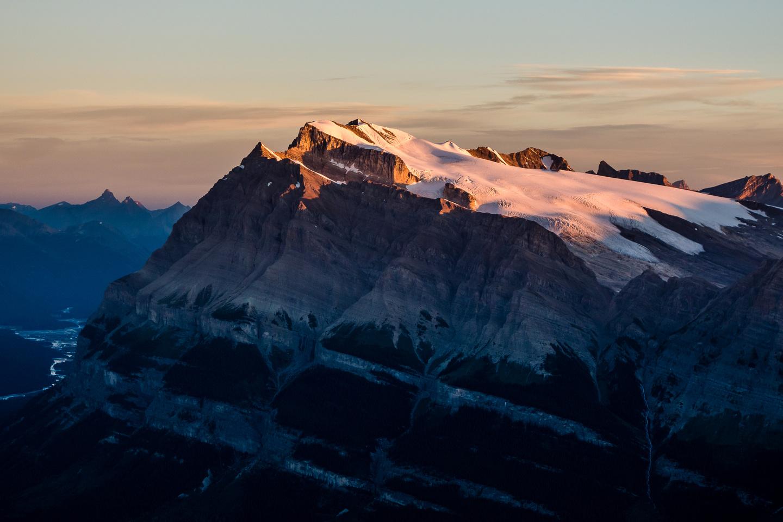 Mount Wilson is an impressive massif on the other side of Saskatchewan Crossing.