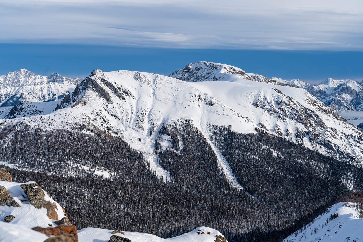 Copper Mountain has some nice ski lines.