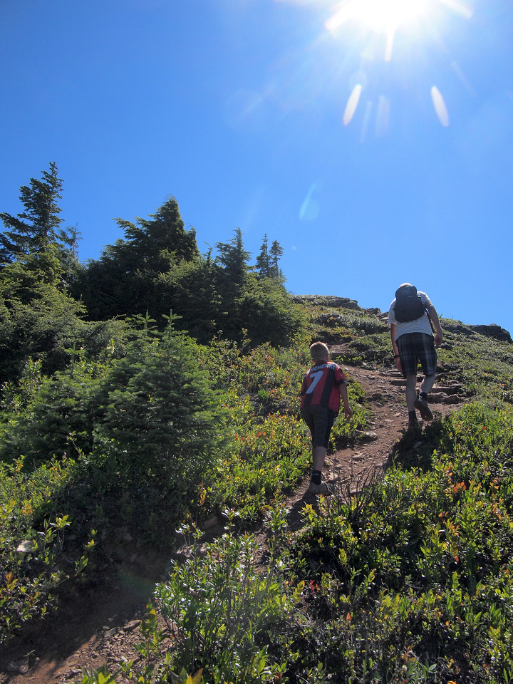 Grinding our way up the middle bump on the way to Mount Thurston.
