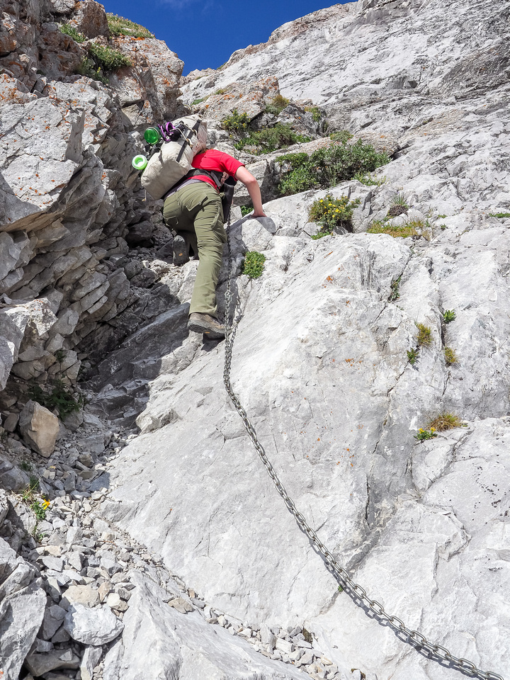 Climbing the Carnarvon Lake headwall chains.