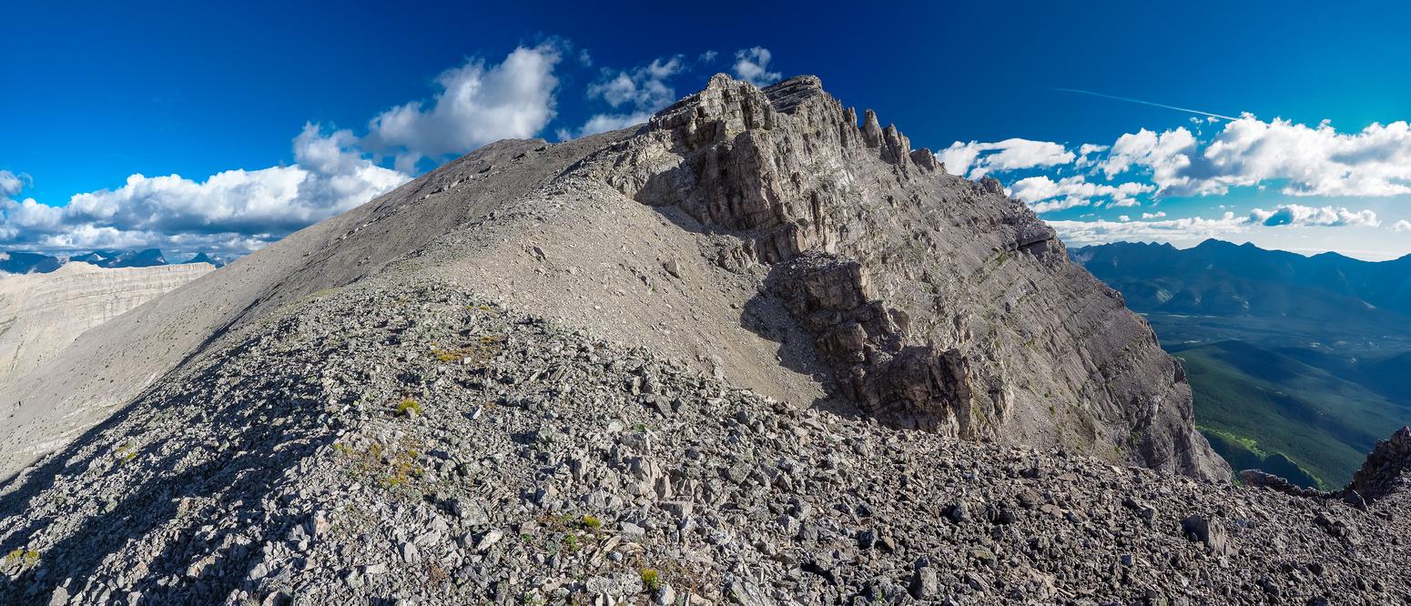 Fun terrain to the summit.