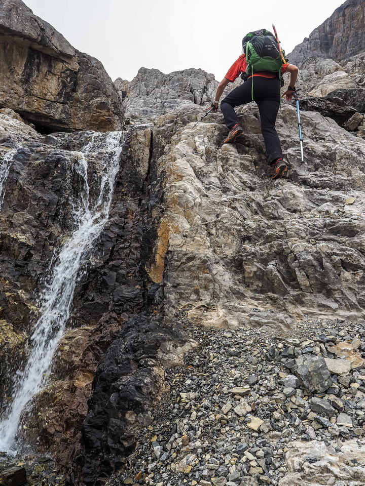 Fun and fast scrambling up the headwall.