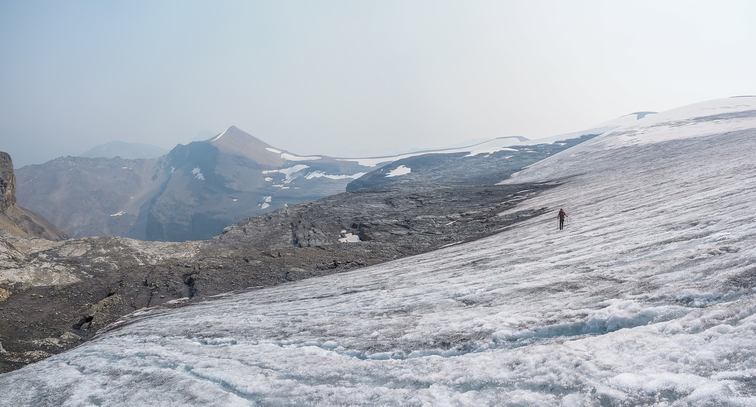 Walking in runners on the low-angled eastern edge of the glacier.