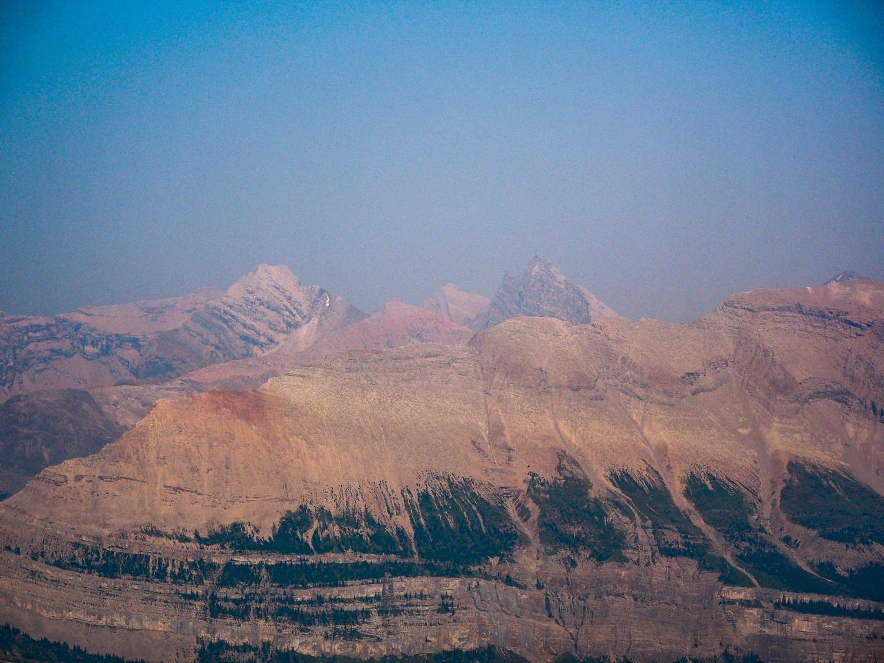 Looking over the NW ridge of Kentigern towards Recondite Peak.
