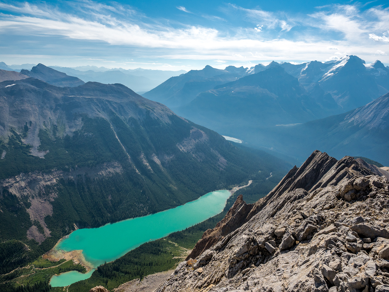 Wonderful views over Sherbrooke Lake towards North Victoria Peak.