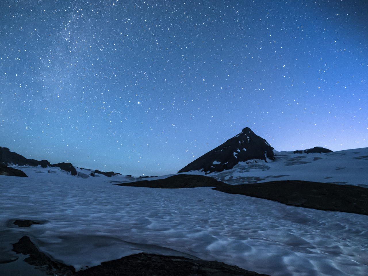 The tail end of the Milky Way just shows up at left with our mountain sitting pretty in very early morning light