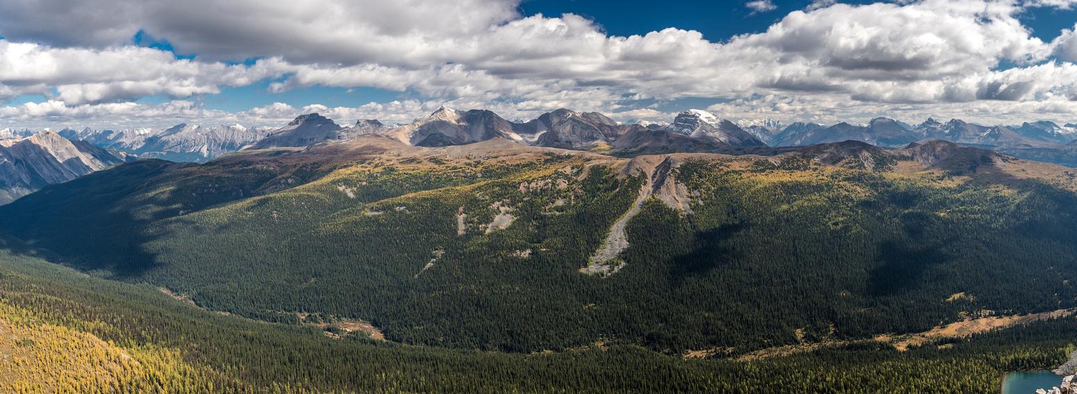 Views over Pharaoh Creek and Healy Ridge / Peak towards Pilot, Brett, Black Brett and Bourgeau (L to R).