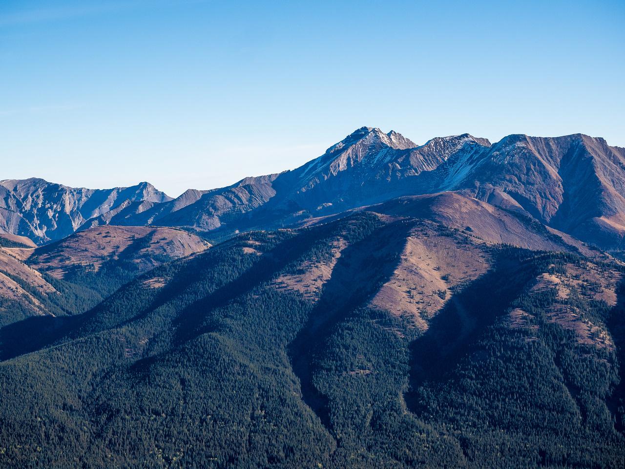 Unnamed Peaks to the north of Highwood Peak.