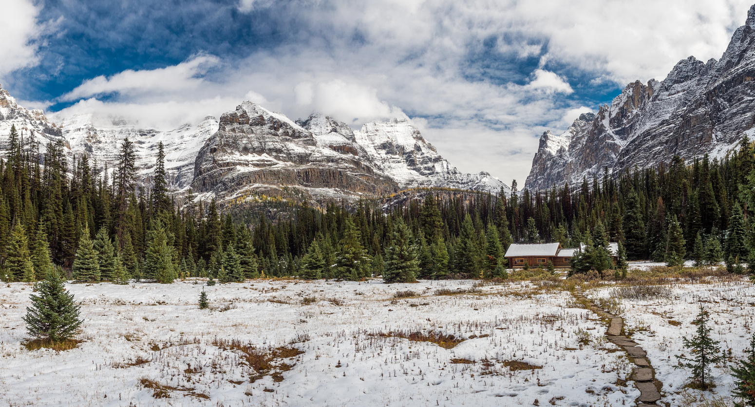 The deluxe Elizabeth Parker ACC Hut is certainly situated in a gorgeous area of the Canadian Rockies!