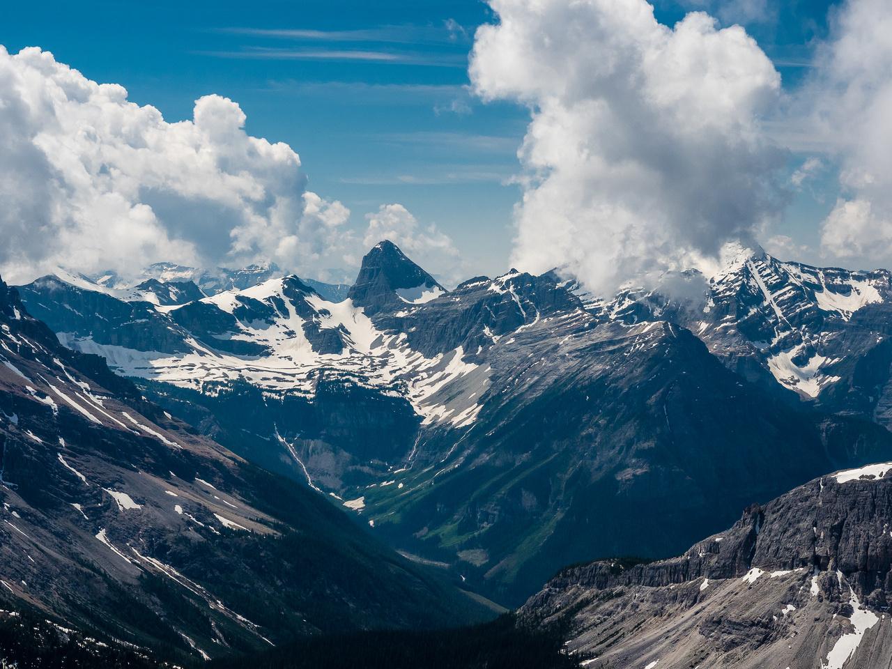 Summit views towards Talon Peak.