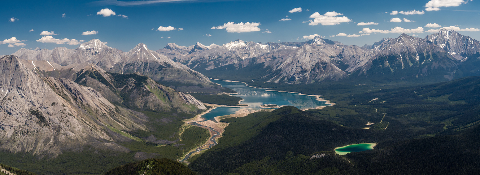 One more panorama over Watridge and Spray Lakes includes from L to R, Fortune, Old Goat, Nestor, Lougheed, Sparrowhawk, Buller, Bogart, Engadine and Tower.