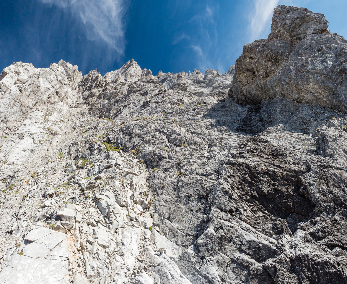 This is the top of the second headwall with a nice key landmark feature at right. The ascent gully is just not visible yet at left here.