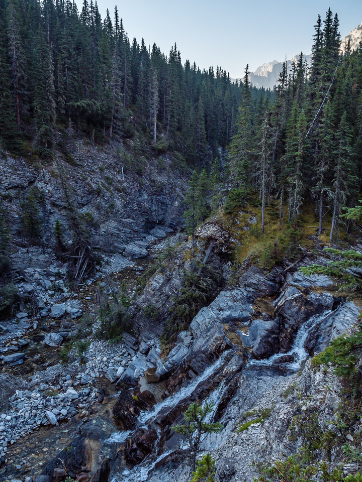 A view of the falls beneath the first unofficial camp site. The creek coming out from the right is the one to Junction Falls, but Junction Creek is at left here.