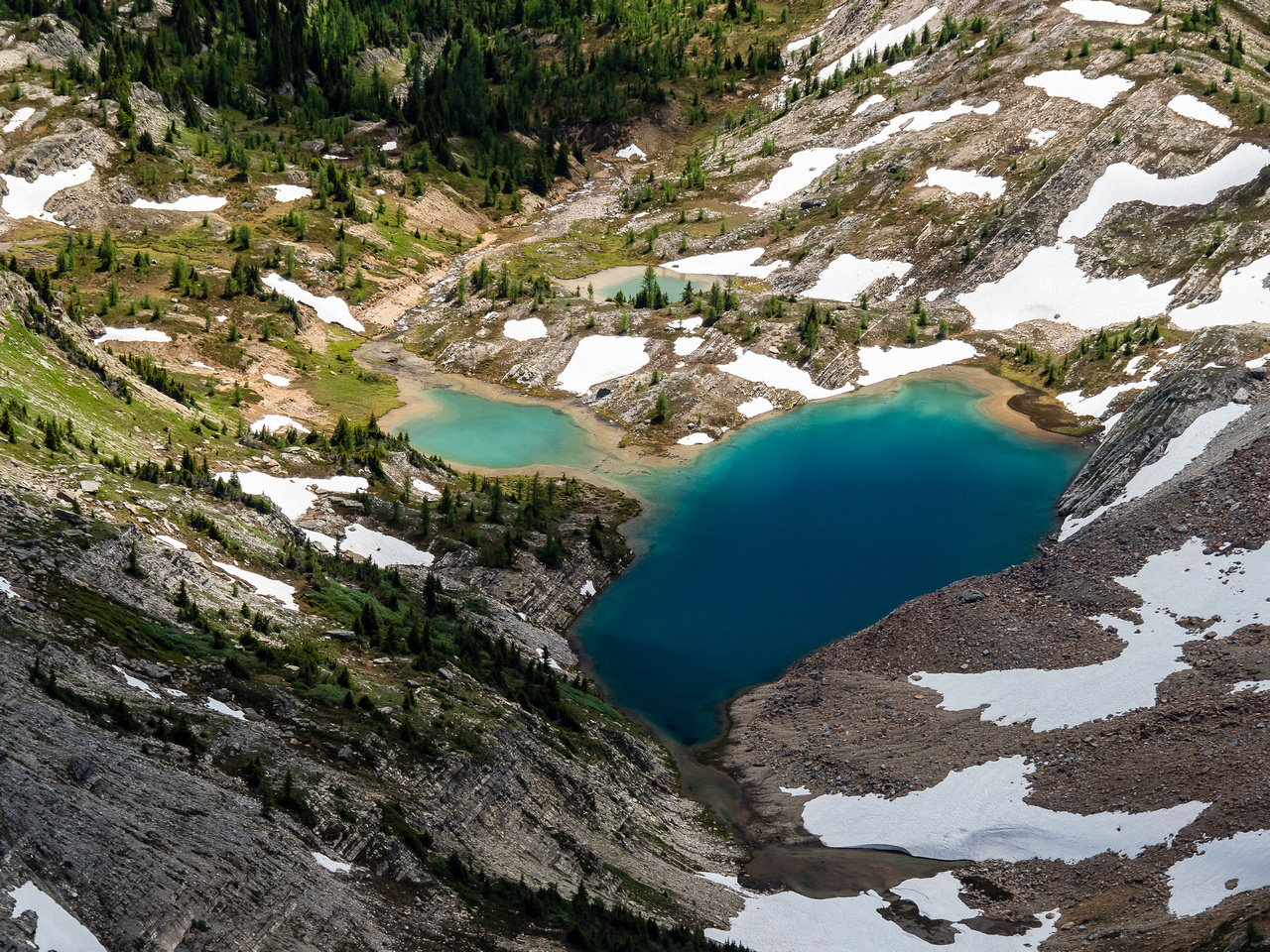 The small unnamed tarns just south of us were beautiful shades of green / blue. Game Lake is just downstream here and this is the Nestor Creek drainage.