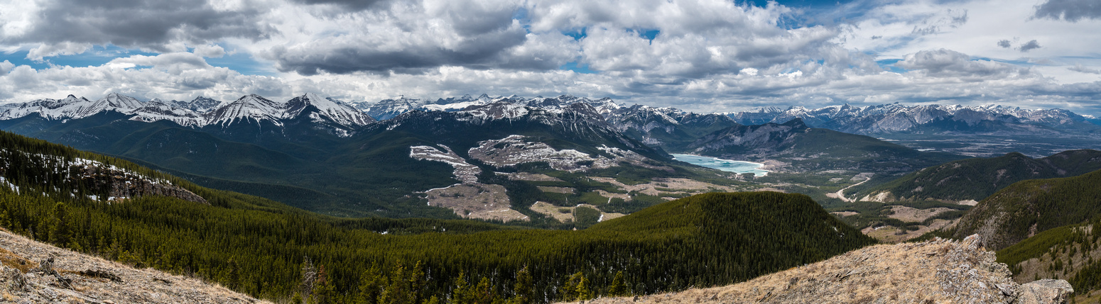 Another great pano lining the front ranges from Tiara at left to Yamnuska at right.