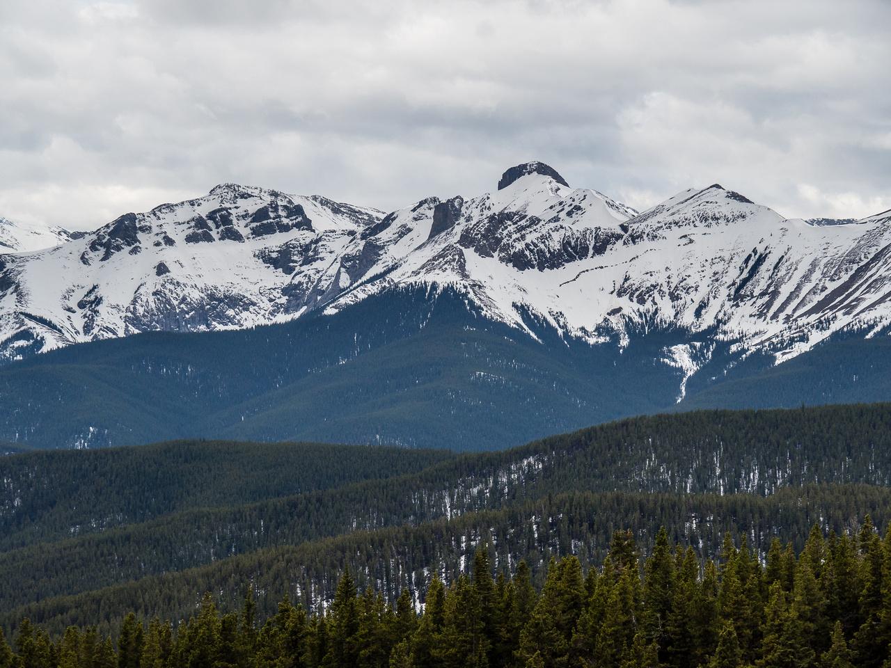 Tiara and Belmore Brown Peak.