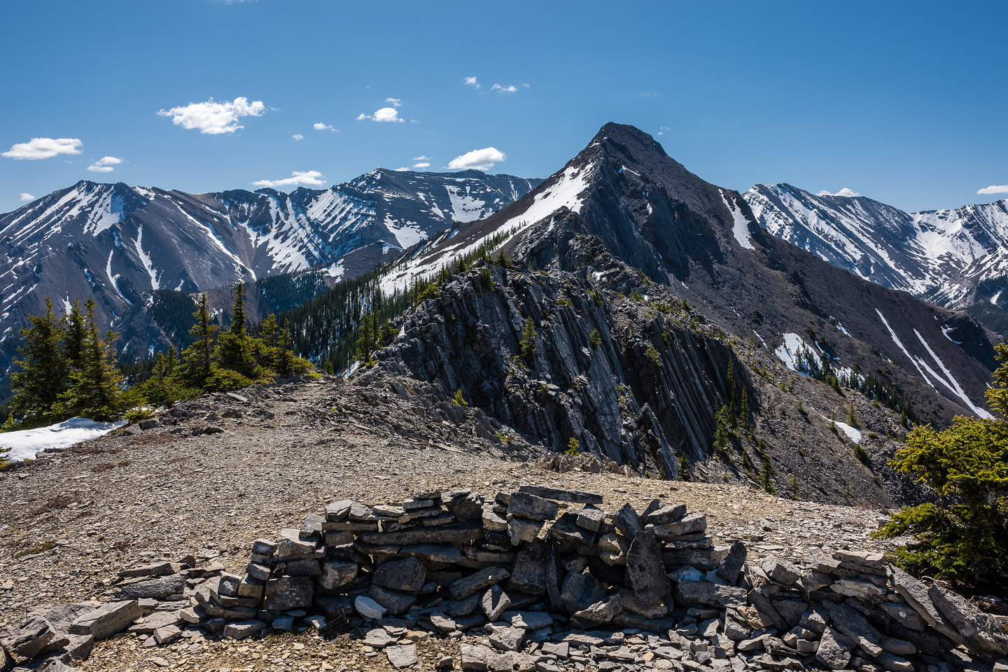 """The infamous """"wind break"""" marks the start of either serious scrambling on the ridge crest, or easier terrain to its right."""