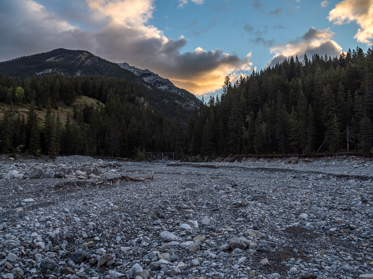 A nice sunrise as I start the long trek up Cougar Creek.