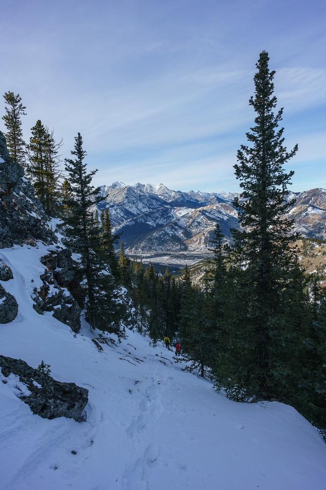 Descending steep slopes on the east side of North Limestone Ridge.