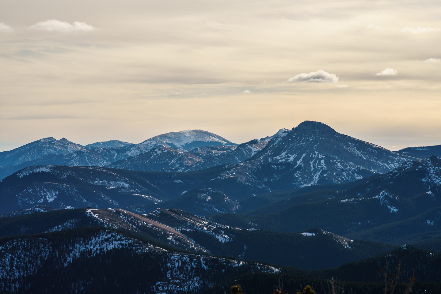 Looking even further south towards Sentinel Peak and Hailstone Butte.