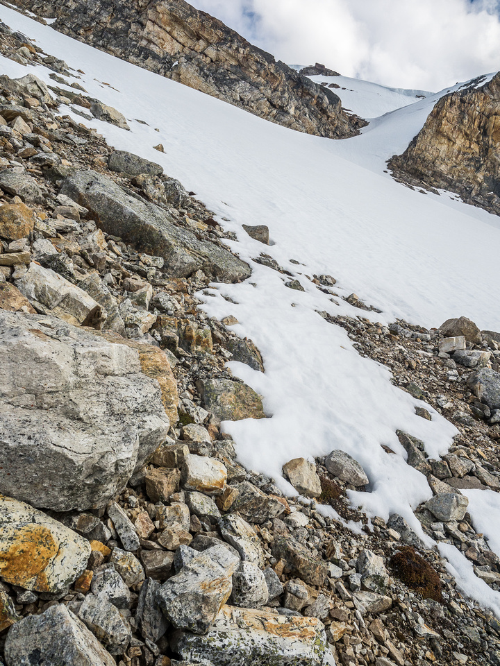 Finally approaching the access couloir on the NW face that gave us easy access to the summit slopes.