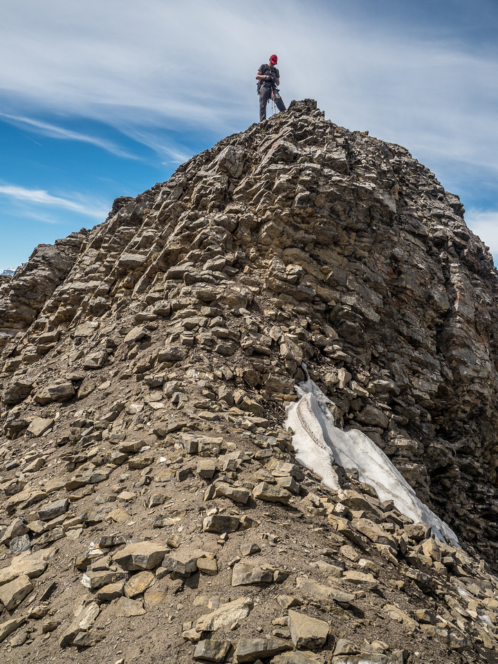 Ironically the only real scrambling we had on Stelfox was on and off this outcrop below the summit!