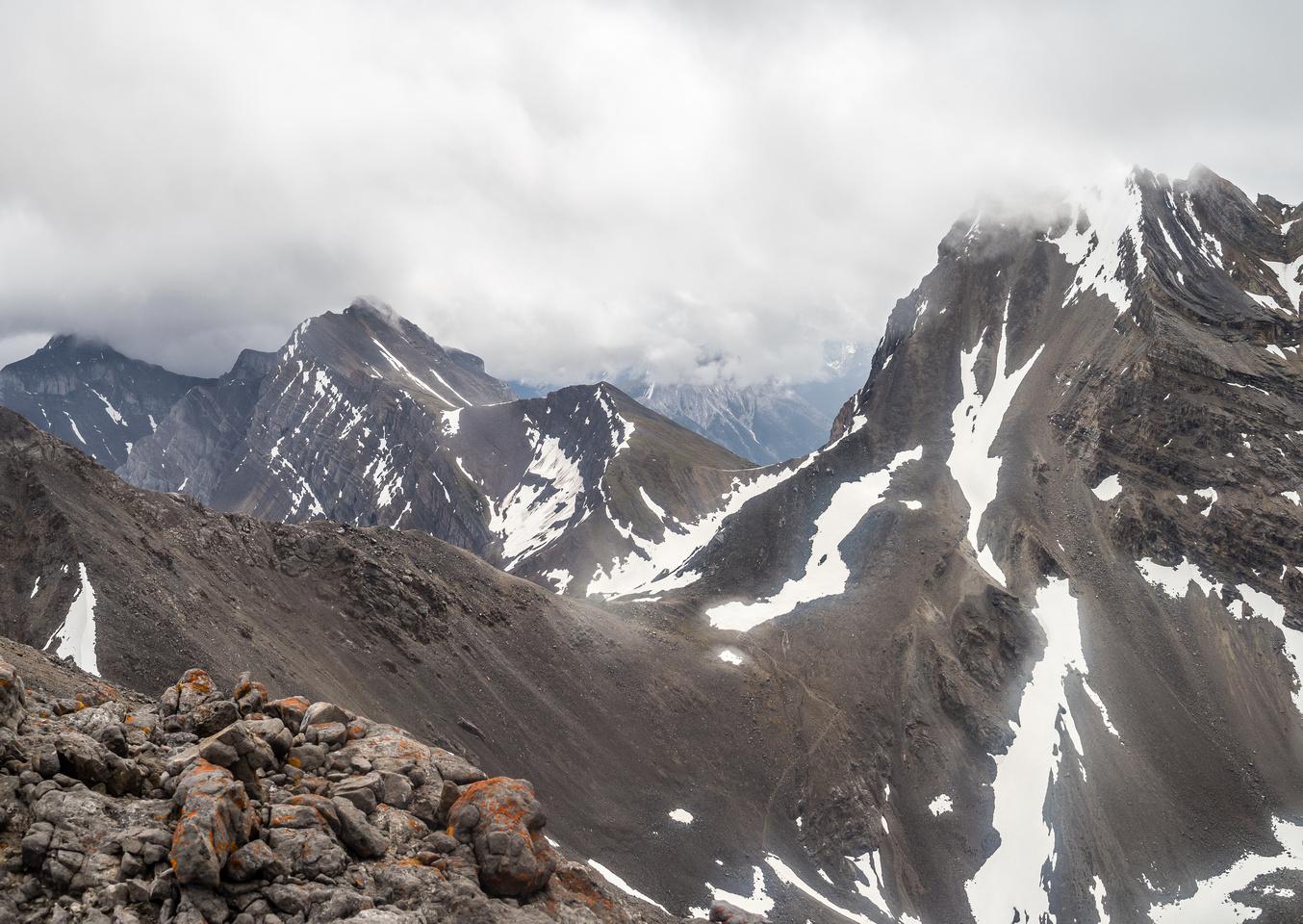 One more view towards Buller and Guinn's Passes past Lillian Peak towards Mount Kidd (L).
