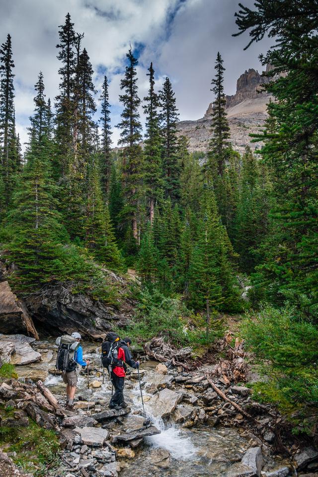 Descending the Helen Creek Trail.