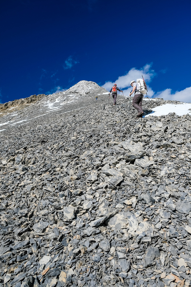 More steep, loose slopes to the false summit.