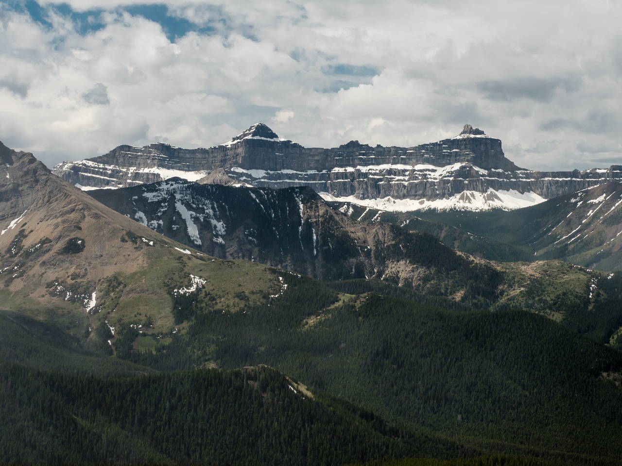 Windsor Mountain and Castle Peak (r) are the most impressive and recognizable summits in the area.
