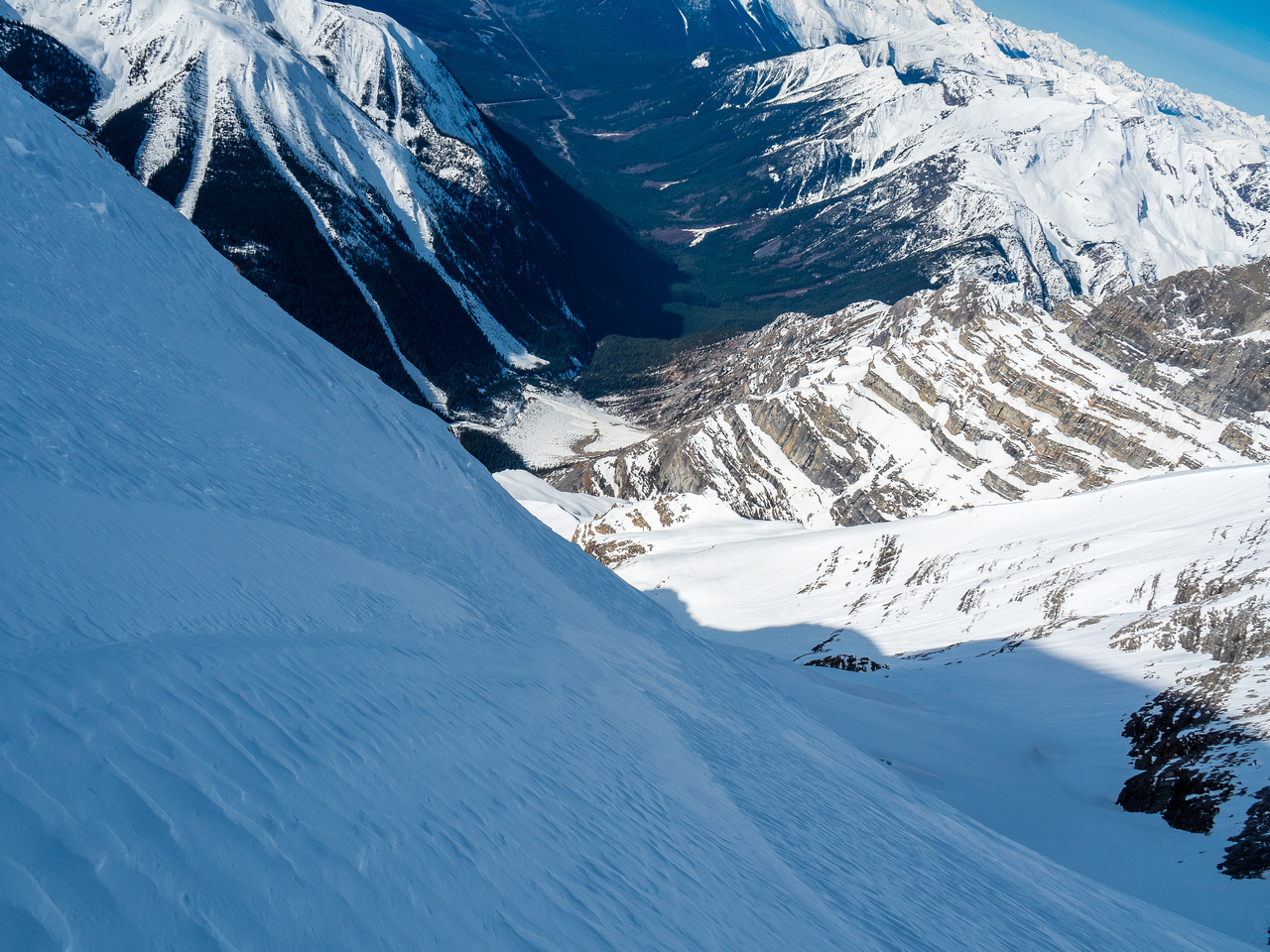 This is what you see when you look down the ascent route - over 2,000 meters straight down the west face!