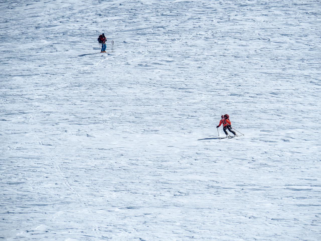 Mike starts the ski down Resplendent!