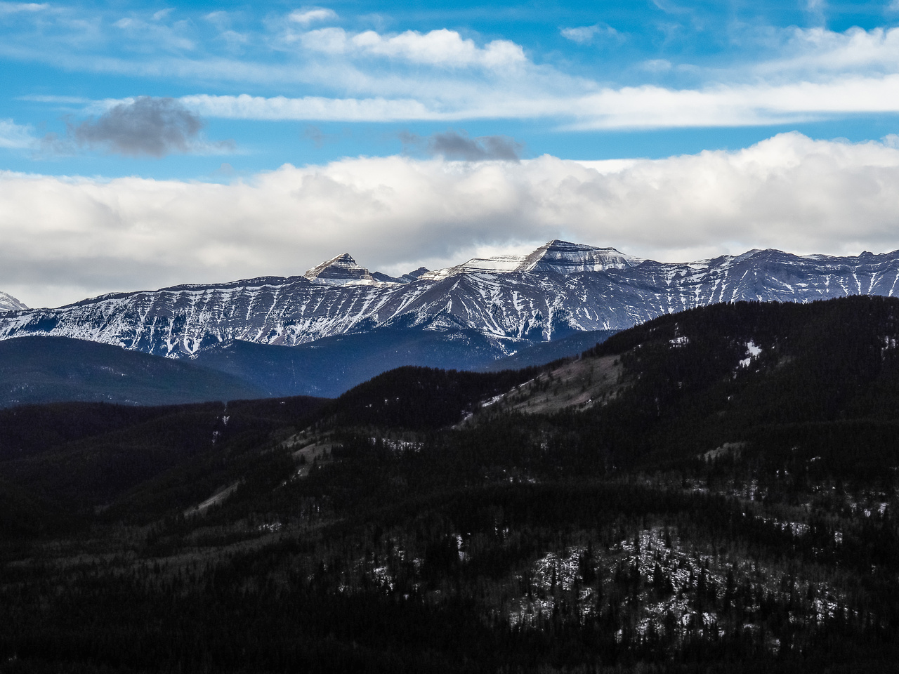 Tele shot of Pyriform (L) and Junction Mountain (R).