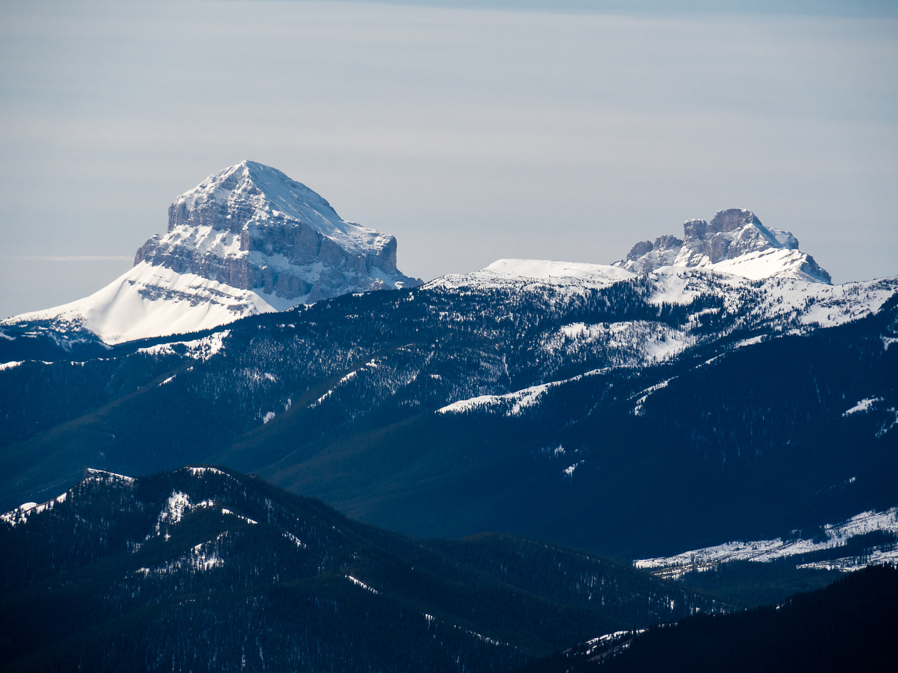 Crowsnest Mountain lies to the SW of Thrift.