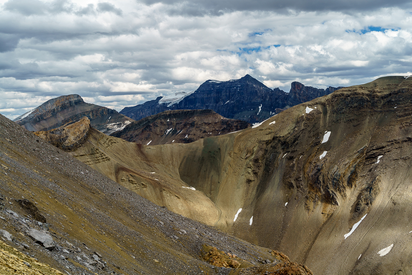 Poboktan Mountain is pretty high and has a glaciated summit.