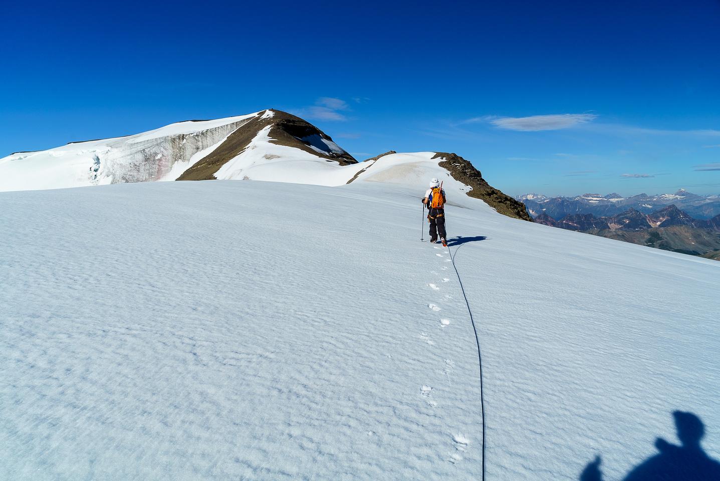Nearing the scree ridge.