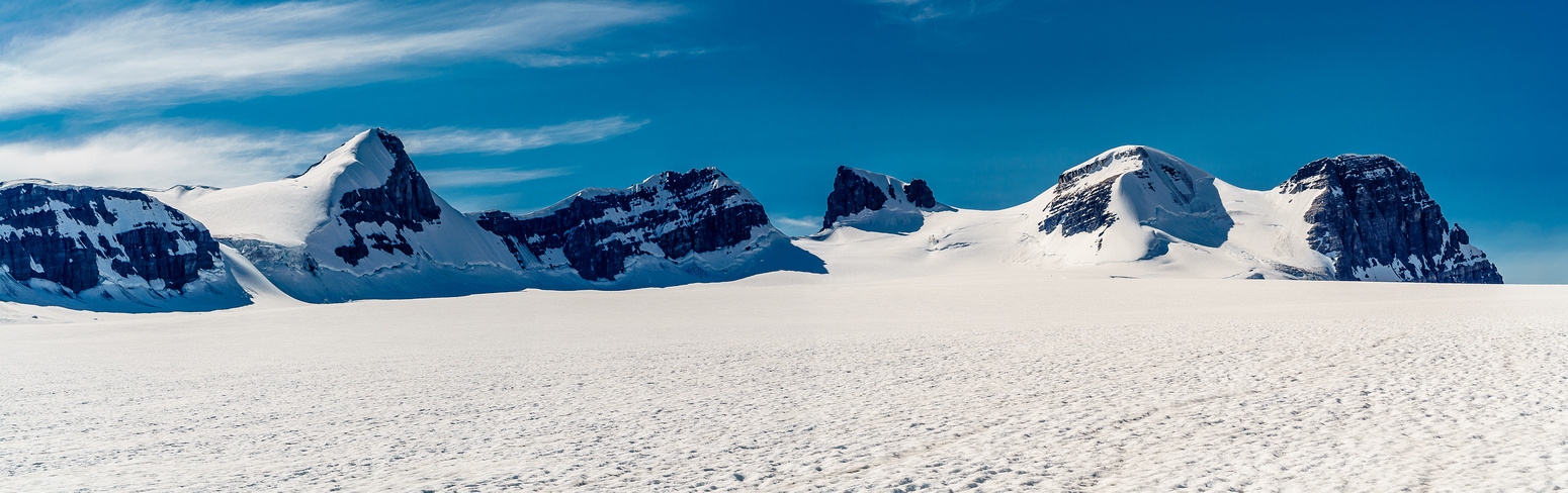 A familiar view of the five Lyell peaks as we re-cross the main glacier.