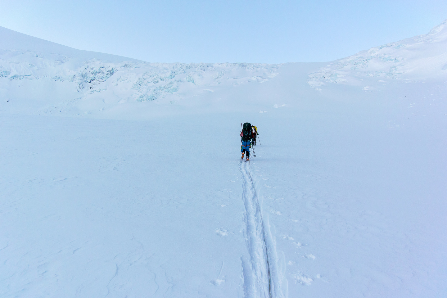 Heading for the almost indistinct ramp - just above Ben and Steven in the distance and looking much smaller than it is.