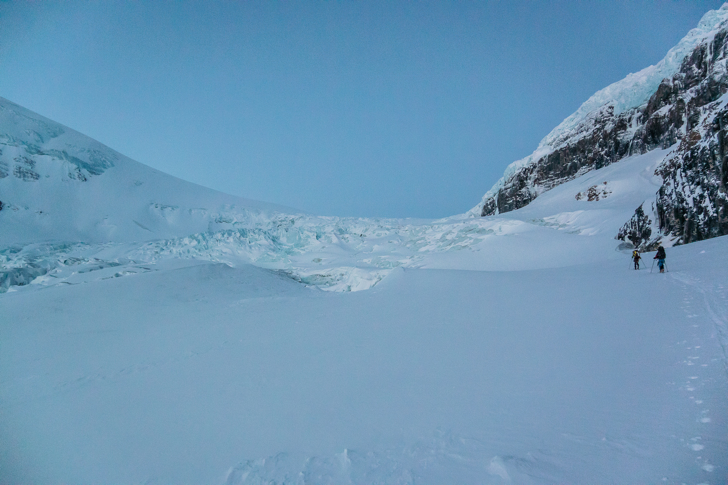 Good coverage as we start up skier's right on the lower icefall - note the seracs coming off Snow Dome high on the right.