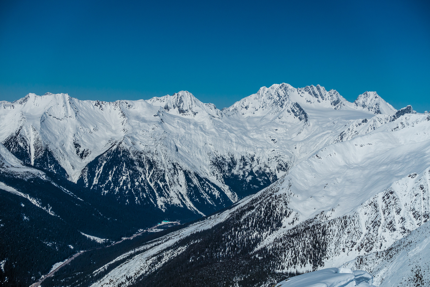 Mount Rogers and Hermit Mountain on the right. Mount Sifton, Grizzly and Ursus Minor on the left.
