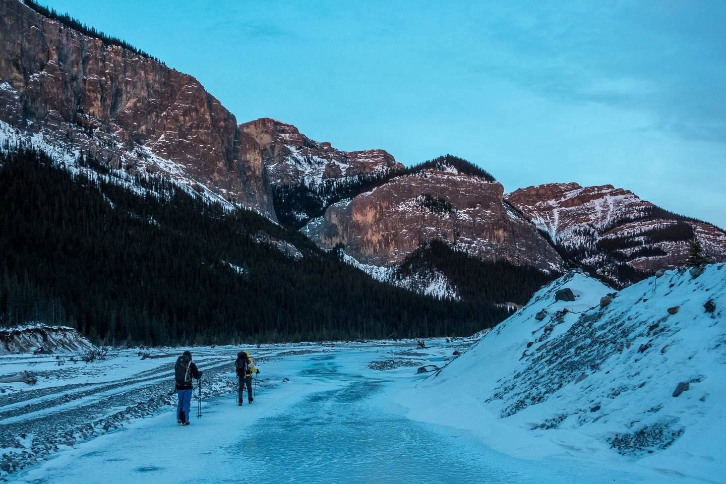 Walking along the partially frozen Ghost River.