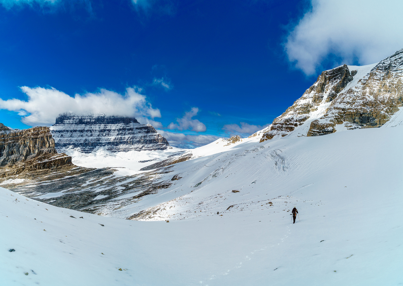 Traversing the glacier on the north side of Woolley - there are holes in here.