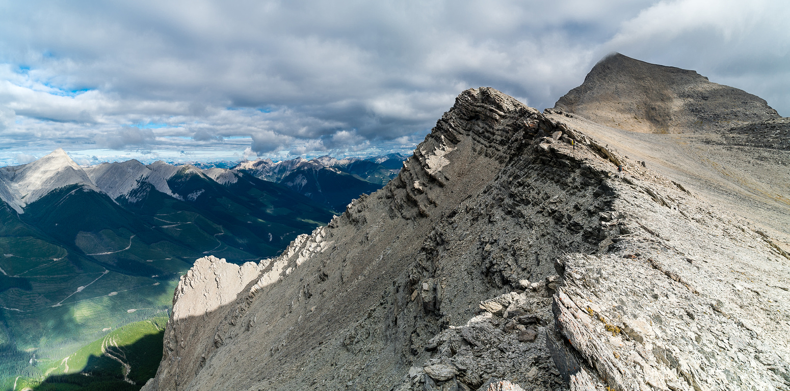 Find the tiny figures on Folk's south ridge.