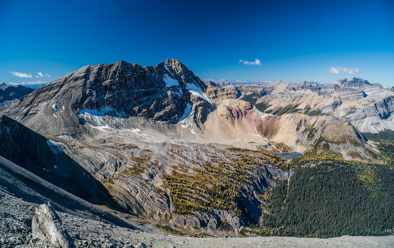 Views towards White Man Mountain and its tarn.