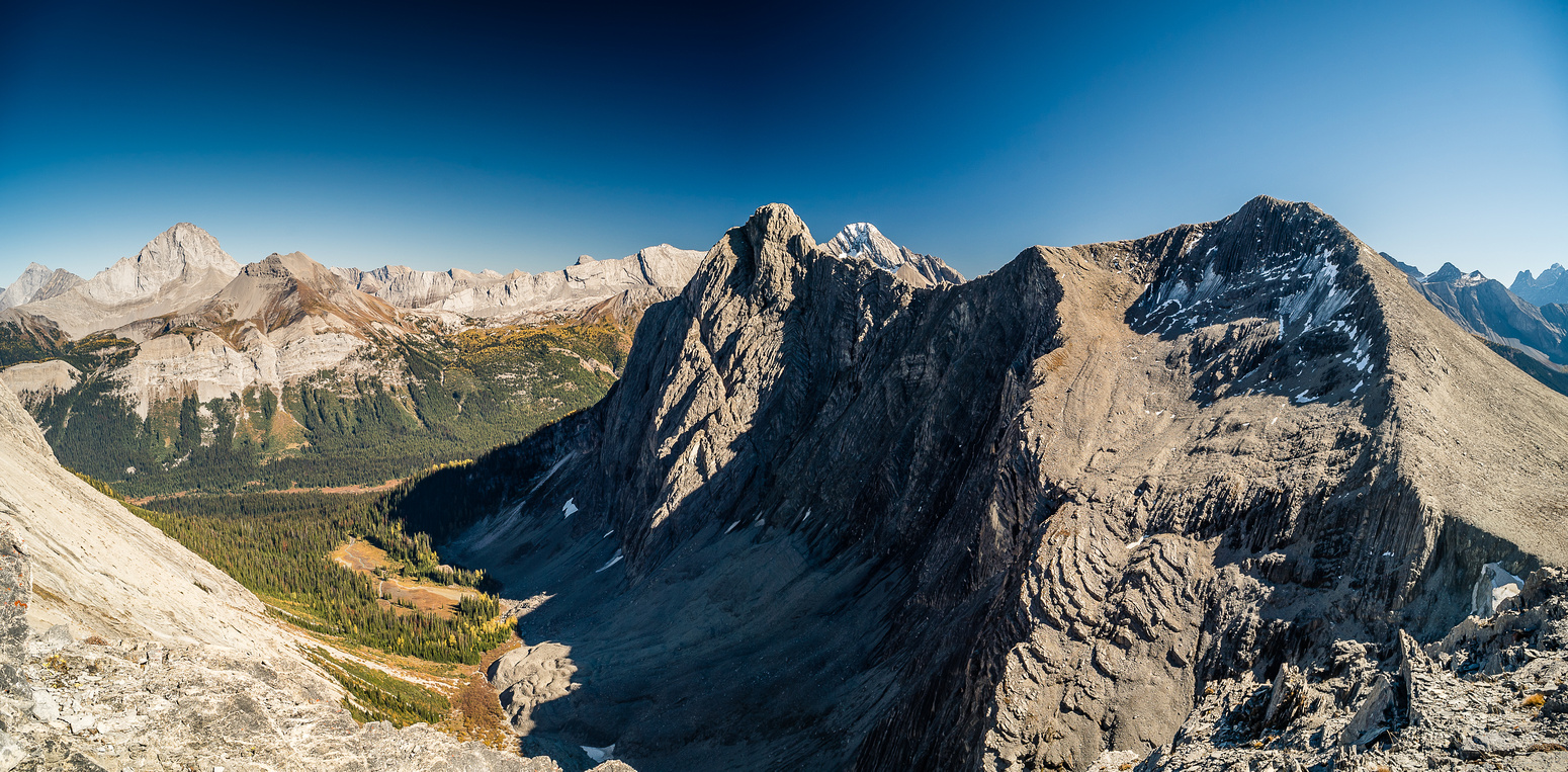 Looking back at the summits of Leval from the Vavasour col.