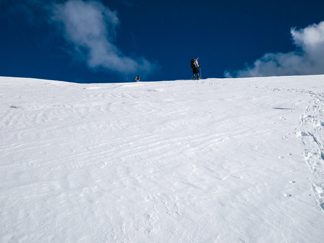 The angle starts to ease off now that we're over the bulge and nearing the summit ridge.